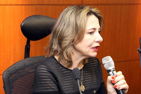 Coordenadora do IDE palestra sobre Trabalho Infantil no TRT-PE