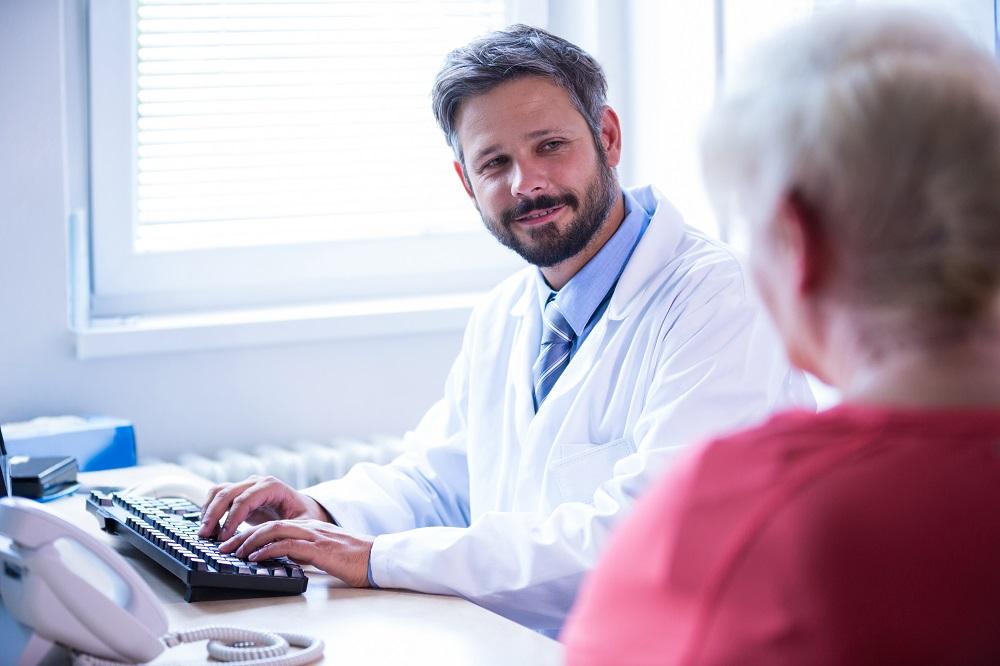 Atestado médico eletrônico: veja como implementar no consultório