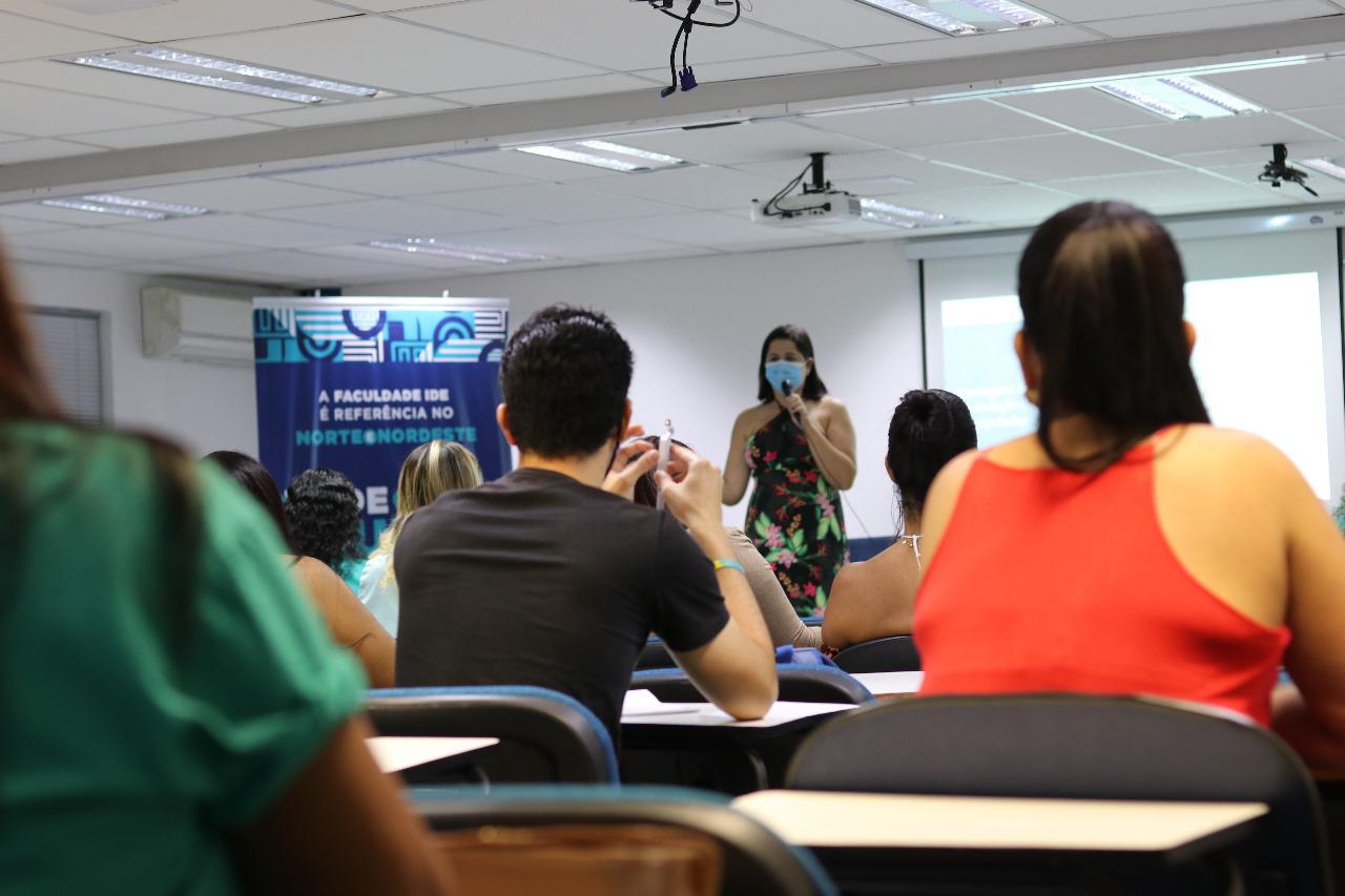 Terceiro dia da I Jornada Acadêmica de Estética e Cosmética IDE